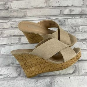 CHARLES BY CHARLES DAVID Sandals Size 6.5 wedge